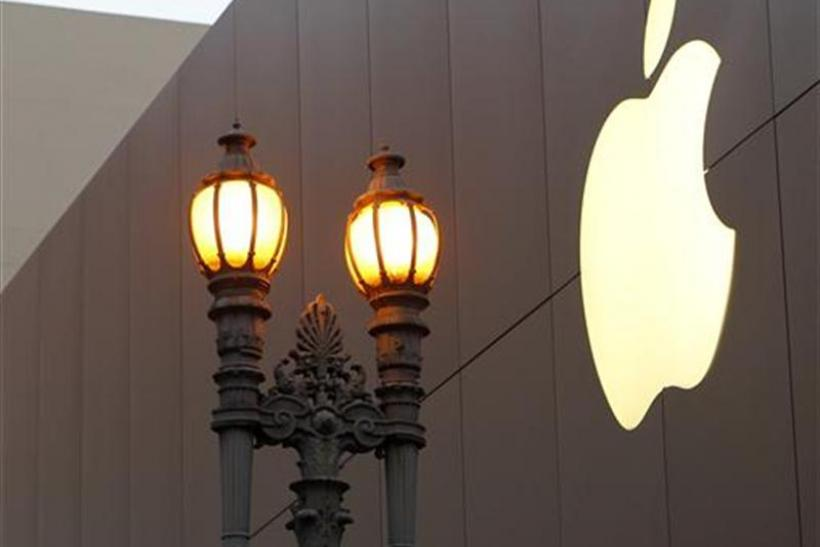EU Eyes Likely Violation on Apple e-Book Deals with Giant Publishers