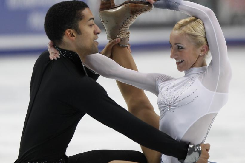 Germany's Aliona Savchenko (R) and Robin Szolkowy perform during the pairs short program at the ISU Grand Prix of Figure Skating Rostelecom Cup in Moscow