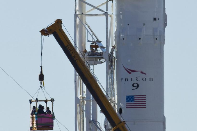 SpaceX Falcon 9 rocket with the Dragon capsule