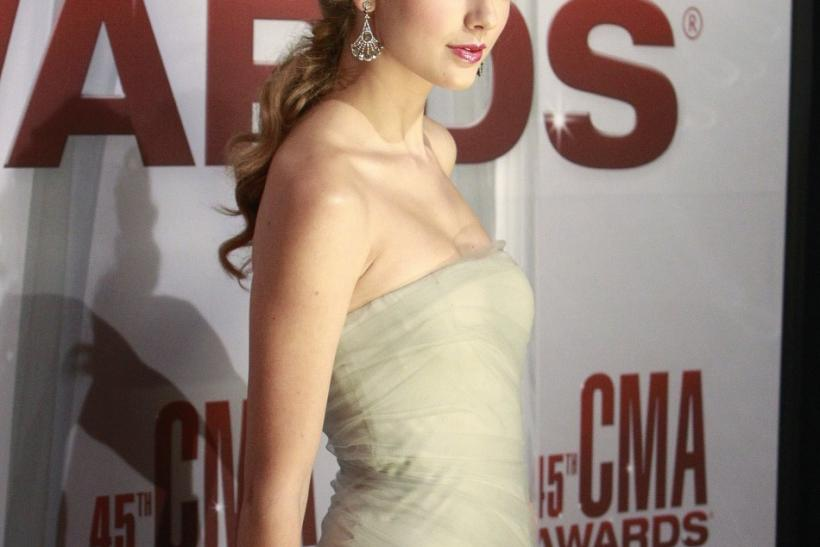 Taylor Swift, Nov. 2011