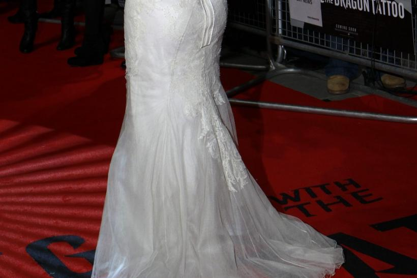 """U.S. actor Rooney Mara poses at the world premiere of """"The Girl with the Dragon Tattoo"""" at the Odeon in London"""