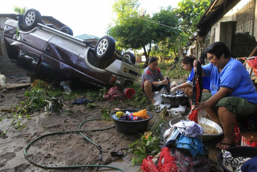 Typhoon Washi Devastates Philippines: A Glimpse of the Aftermath