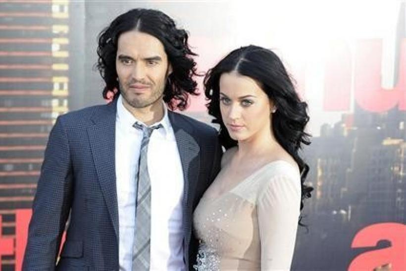 Russell Brand (L) and Katy Perry arrive for the European premiere of the film ''Arthur'' in London