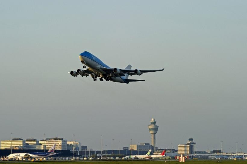 Schiphol Reopens