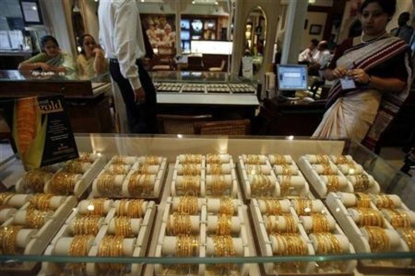 India 2012/13 gold imports may fall 35 pct-gov panel