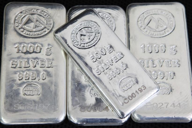 Bars of 500 g and 1,000 g silver in Istanbul