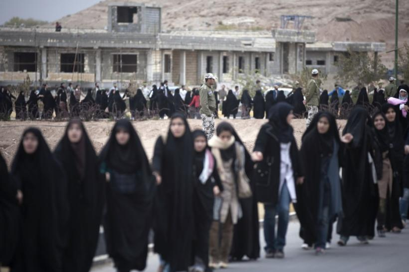 Iranian students form a human chain around the Uranium Conversion Facility (UCF) to show their support for Iran's nuclear program in Isfahan, 450 km (280 miles) south of Tehran November 15, 2011.