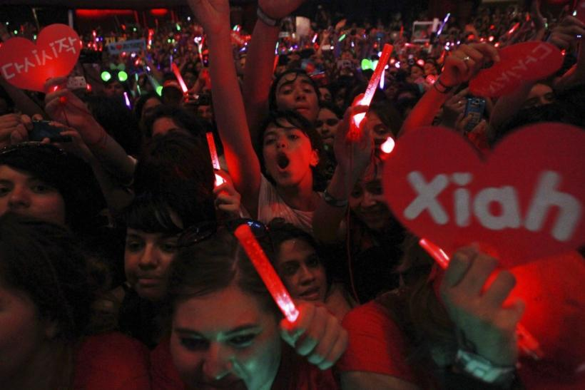 Fans cheering on JYJ in Santiago, Chile