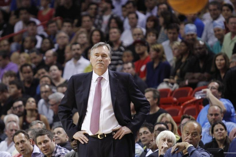 Mike D'Antoni resigned abruptly from the New York Knicks this afternoon.