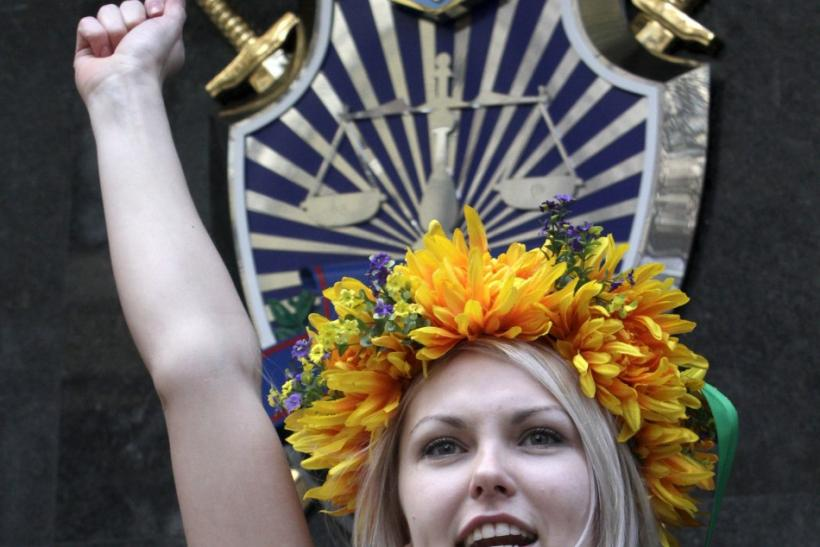 Ukrain's Femen Activists Protest Nude (PHOTOS)