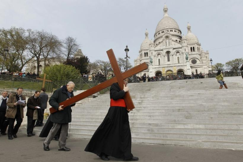What is Good Friday? Pictures of Holy Day from Around the World