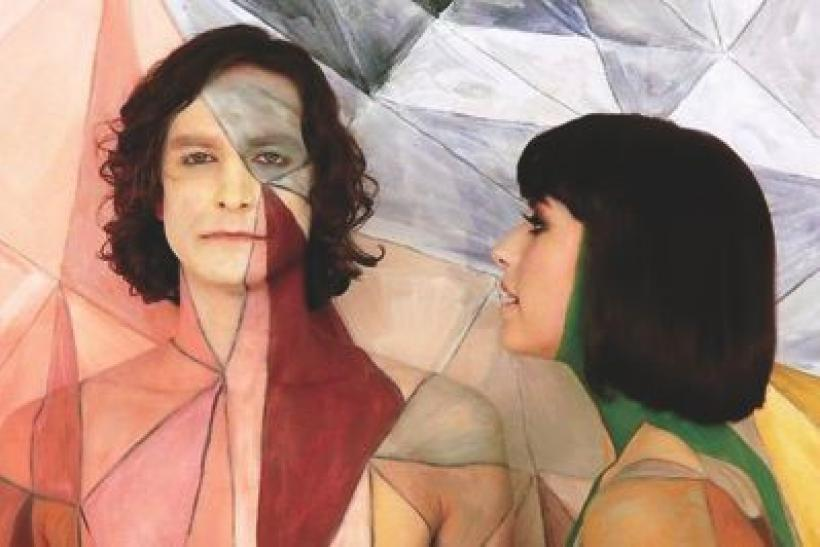 Kimbra (right) with Gotye.