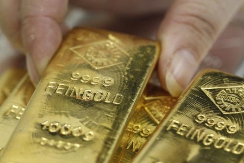 Gold Edges Lower As Worries Over Europe Simmer