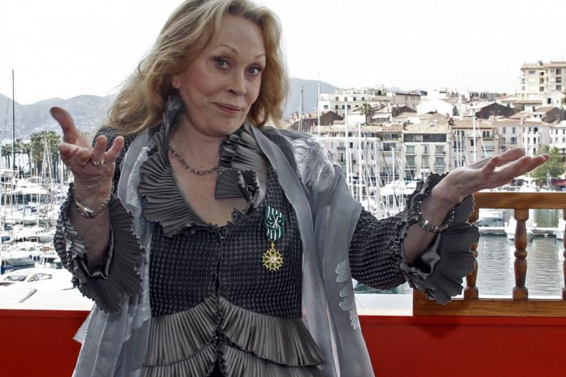 Faye Dunaway honored at Cannes Film Festival