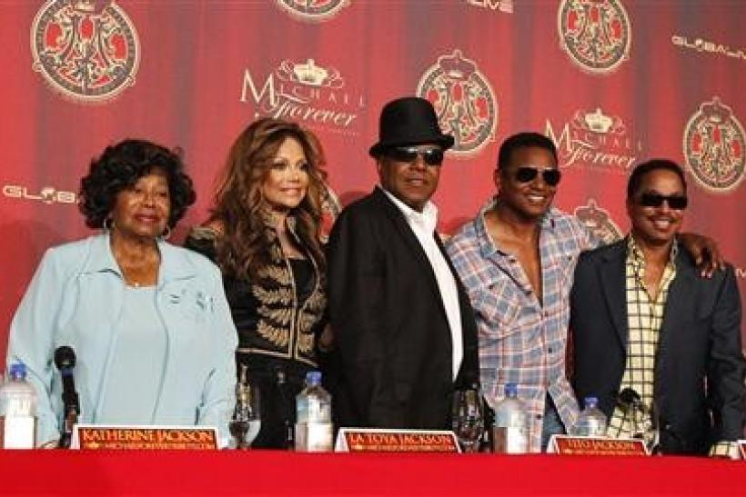 Katherine Jackson (L) with her children La Toya, Tito, Jackie and Marlon