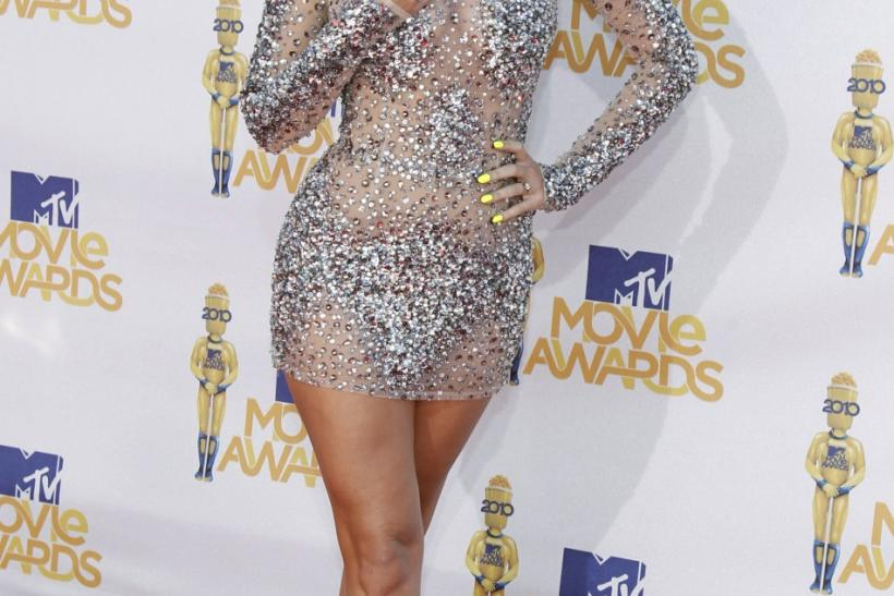 Singer Katy Perry arrives at the 2010 MTV Movie Awards in Los Angeles