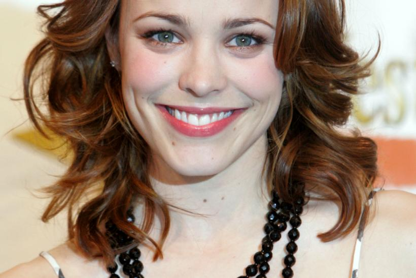 Rachel McAdams debuts red hair