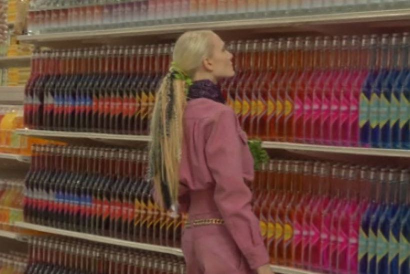 Chanel Does It Again And Wows Paris Fashion Week [VIDEO]