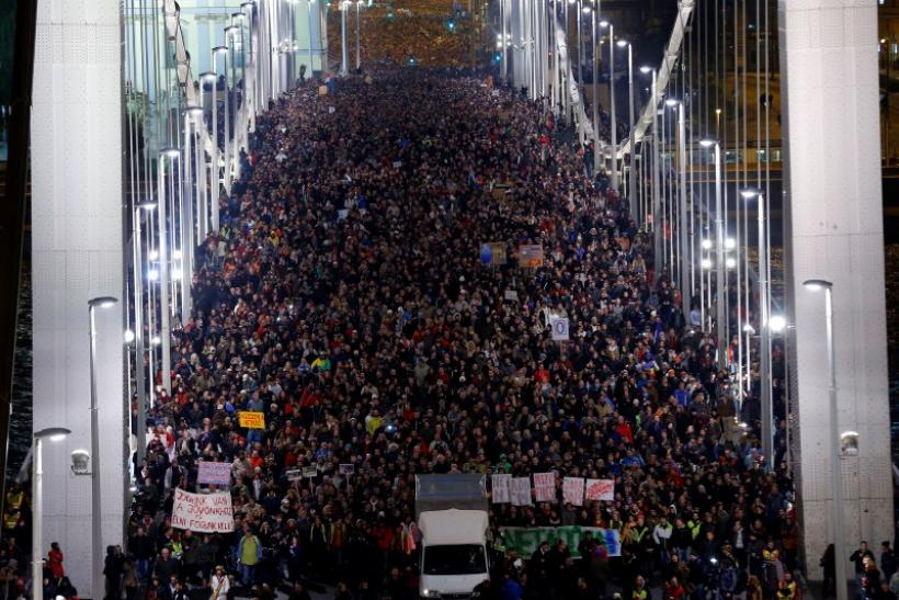 Hungarians protest Internet tax
