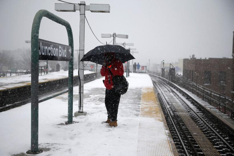 blizzard in New York_subway track