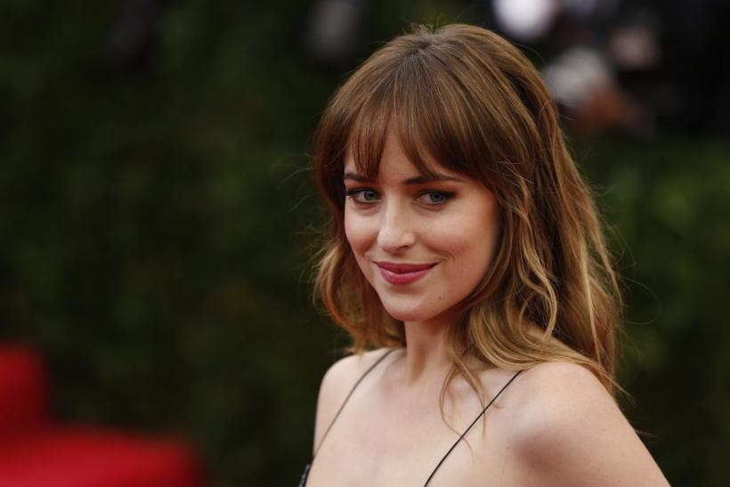 dakota johnson fifty shades premiere