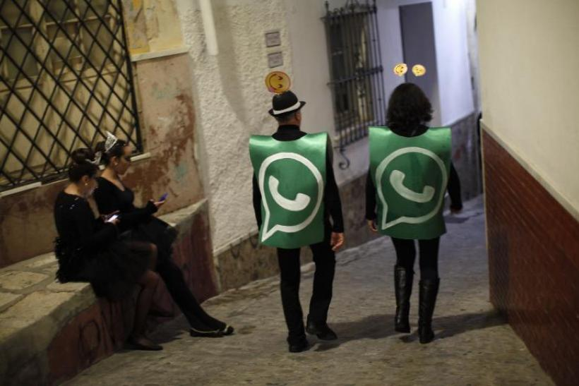whatsapp-status-costume