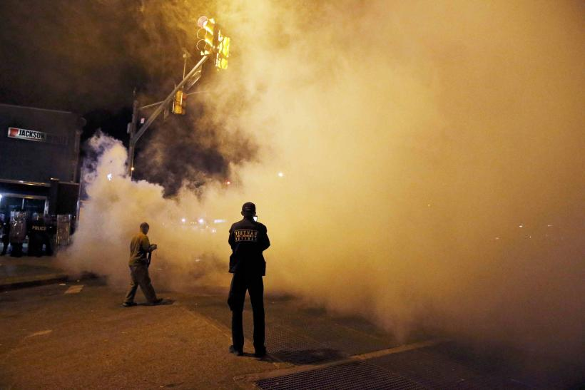 Baltimore_police smoke