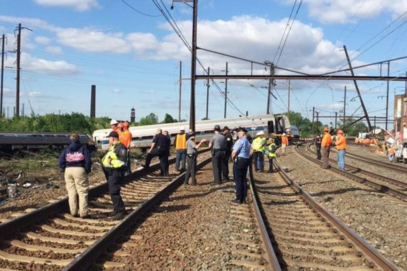 2015-05-13T175859Z_209102184_TM3EB5D12HB01_RTRMADP_3_USA-TRAIN-DERAILMENT
