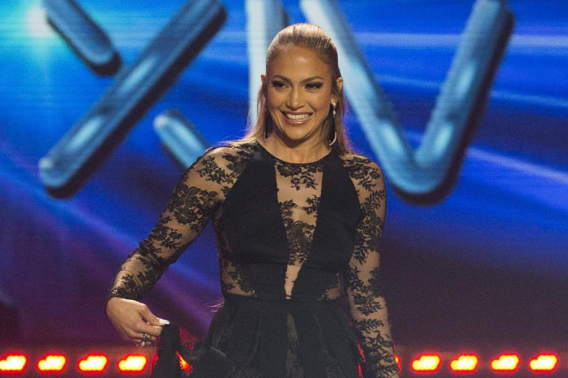 [13:18] Judge Jennifer Lopez walks on stage during the American Idol XIV 2015 Finale at Dolby theatre in Hollywood
