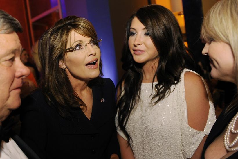 Former Governor of Alaska Sarah Palin (2nd L) talks with her daughter Bristol Palin (2nd R)