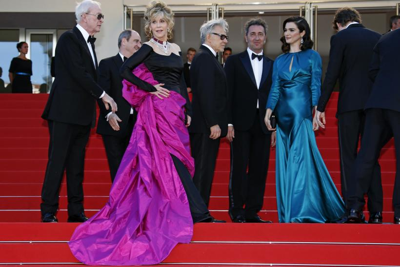 "[11:06] (L-R) Cast members Michael Caine, Jane Fonda and Harvey Keitel, director Paolo Sorrentino, and cast member Rachel Weisz pose on the red carpet as they arrive for the screening of the film ""Youth"""