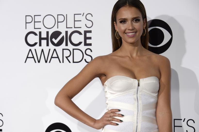 [10:58] Actress Jessica Alba arrives at the 2014 People's Choice Awards in Los Angeles, California