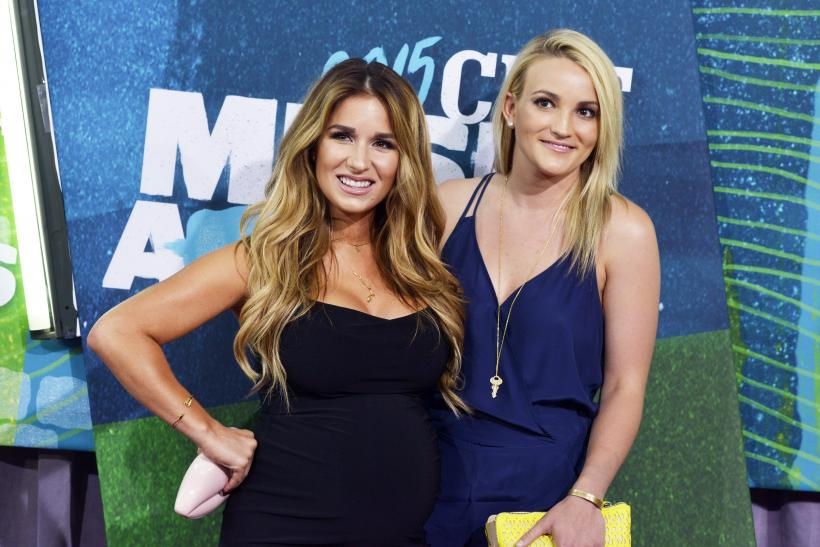 [9:01] Jessie James Decker (L) and Jamie Lynn Spears arrive at the 2015 CMT Awards in Nashville