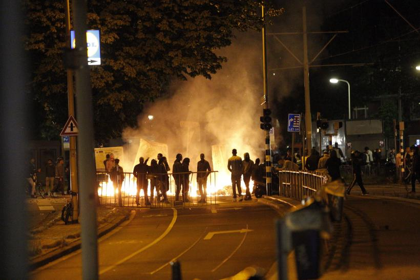 Hague police clashes