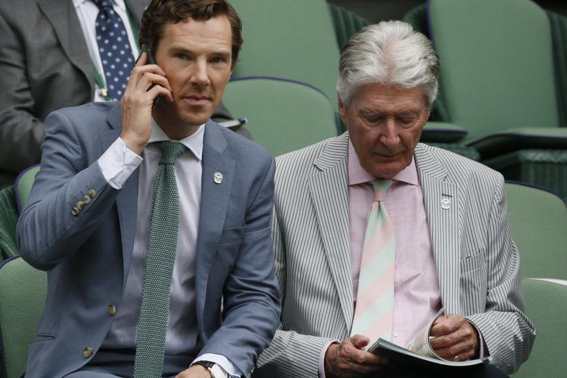 [10:10] Actor Benedict Cumberbatch and his father Timothy (R) on Centre Court at the Wimbledon Tennis Championships