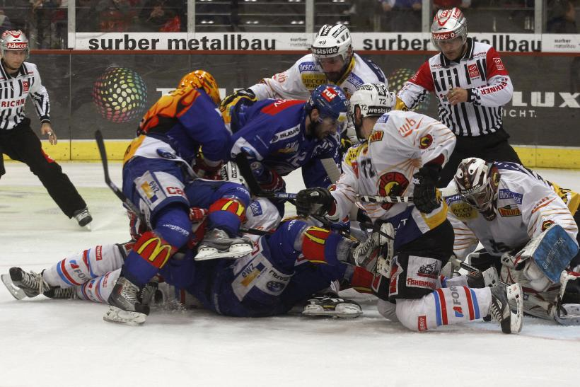 Team members of ZSC Lion and SC Bern in 2012