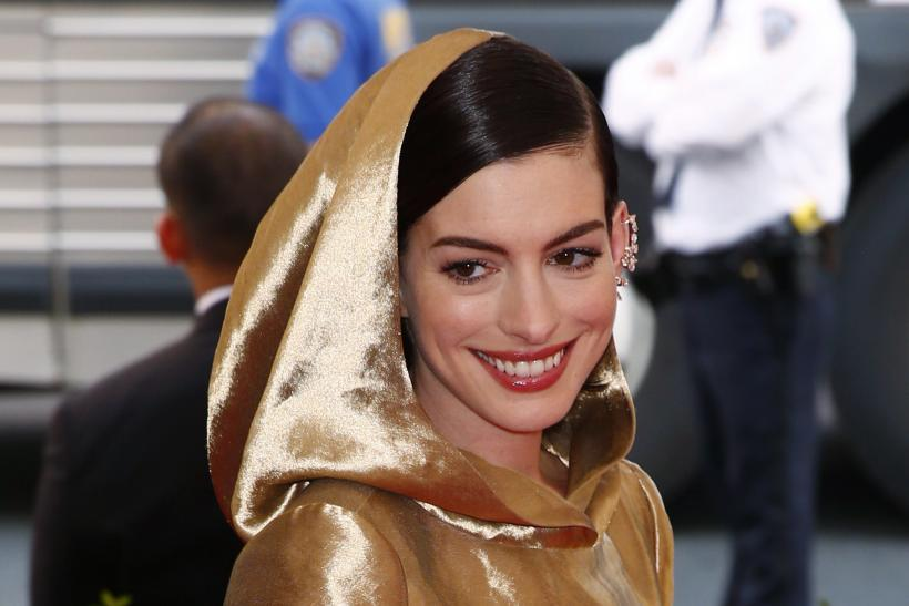[11:16] Actress Anne Hathaway arrives at the Metropolitan Museum of Art Costume Institute Gala 2015