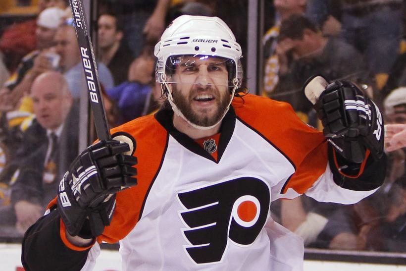 Simon Gagne with the Flyers in 2010