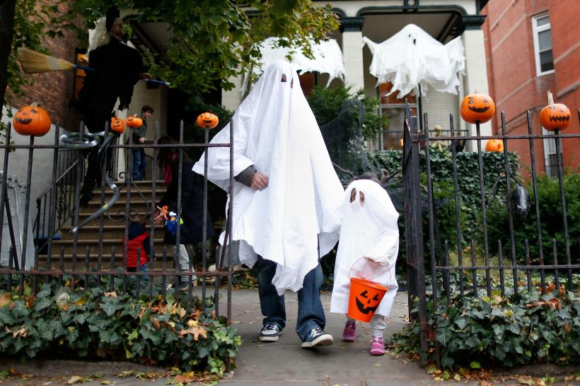 What Time Does Trick-Or-Treating Start? When You Can Expect To Get ...