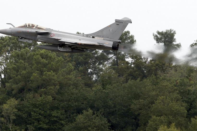 A Rafale fighter jet taking off