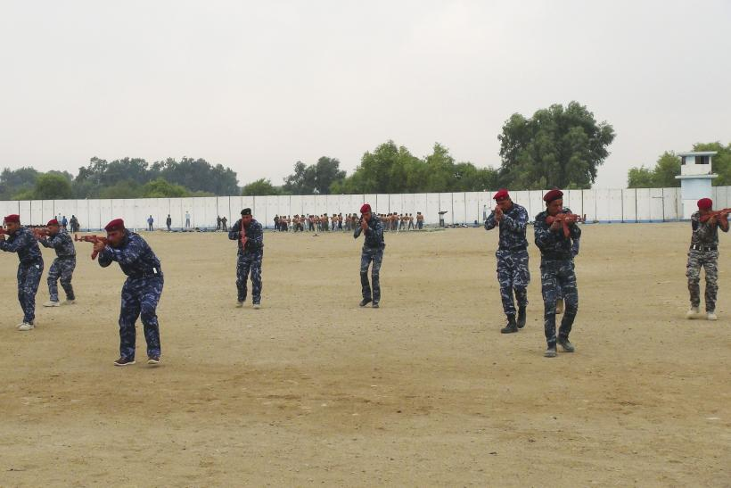 Sunni tribesmen training