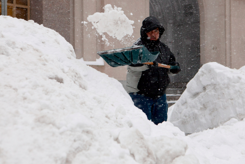Make It Happen >> How To Shovel Snow From Driveway Properly: 11 Easy Tips For Blizzard 2016