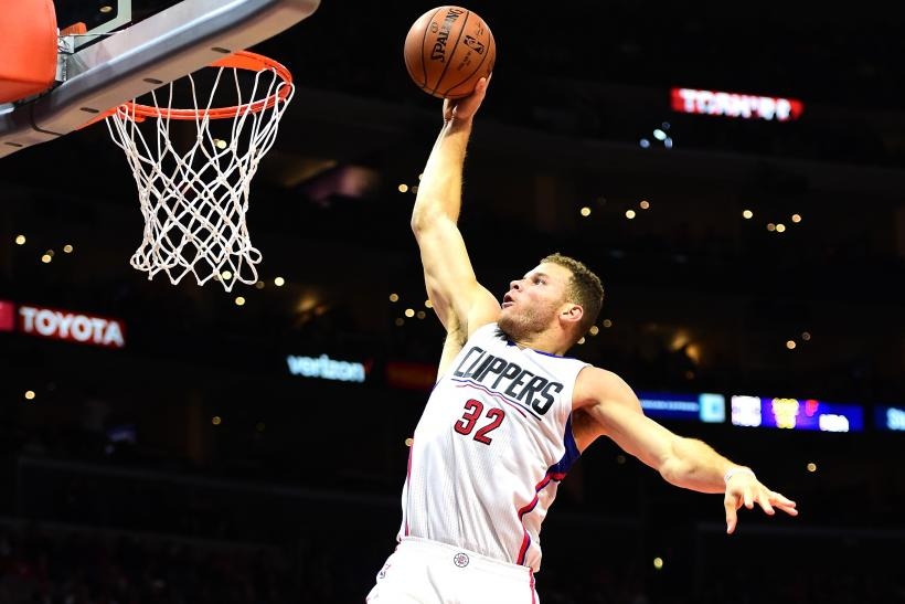 Clippers' Blake Griffin injures hand in altercation on road