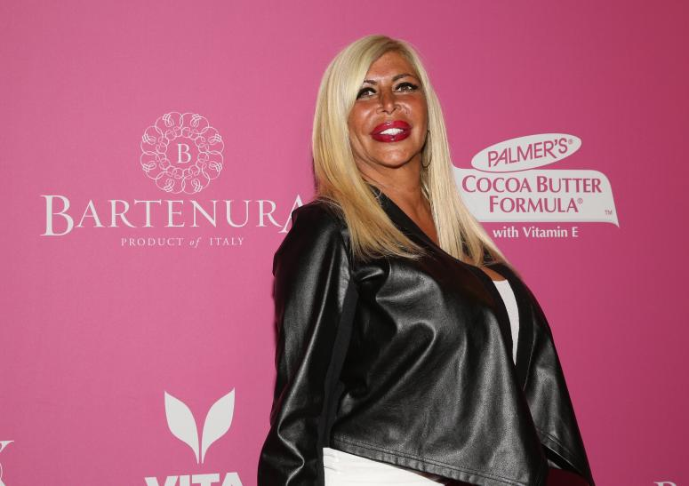 Big Ang's family fundraising $25K to fight her brain and lung cancer