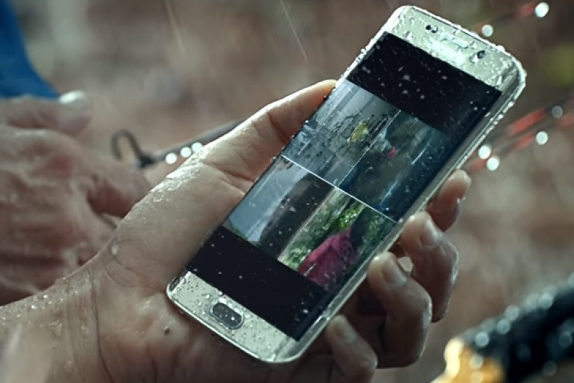 galaxy s7 promotional video published by samsung shows waterproof and wireless charging features. Black Bedroom Furniture Sets. Home Design Ideas