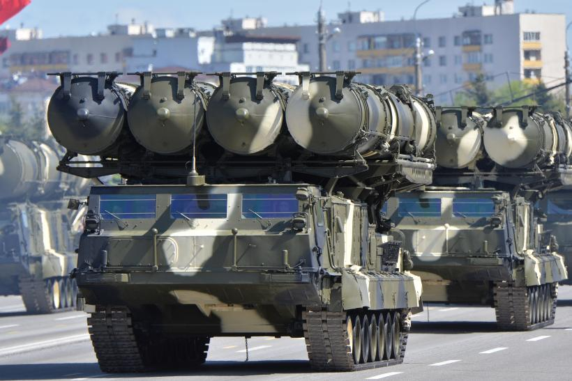Russia S-300 air missile system Iran delivery