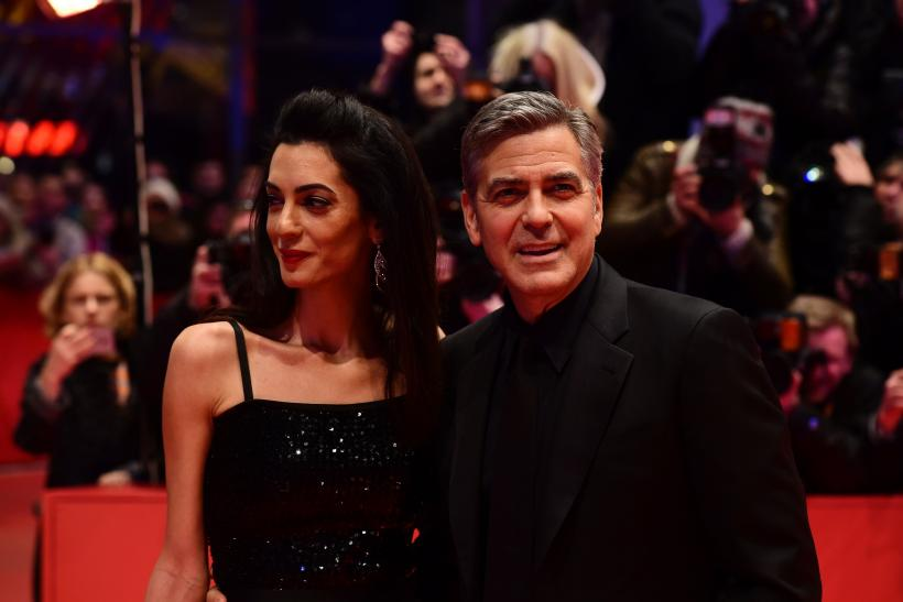 George Clooney Cheating on Amal Clooney kissing photo