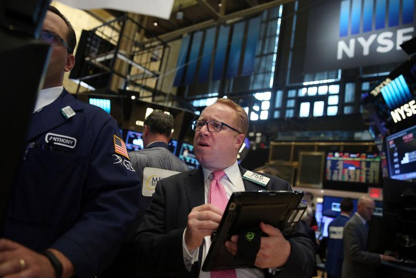 United States stocks mixed as Apple tumbles