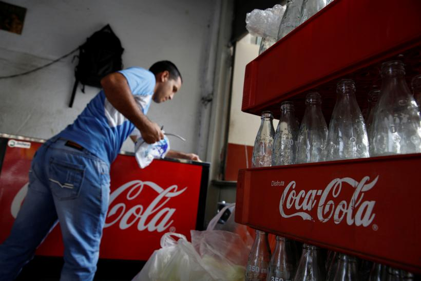coca cola comany ethical crisis The case discusses the crisis faced by coca-cola in europe, particularly belgium, in which people mostly school children fell ill after consuming its.