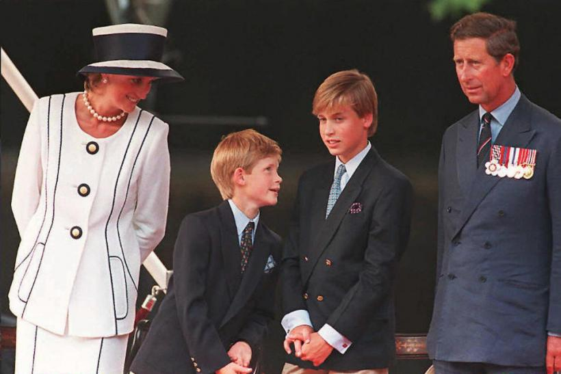 Queen Mum - Di With The Kids